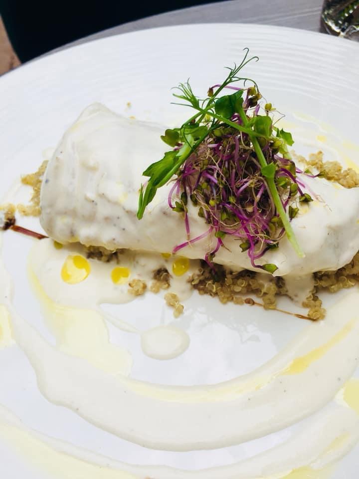 Filet de merlu sauce galanga et coco quinoa aux poivrons